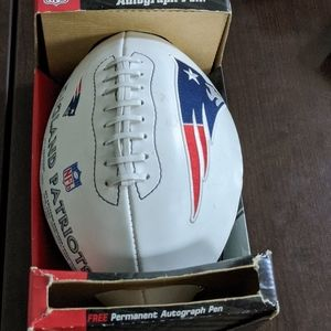 New England Patriots (2004) vintage football